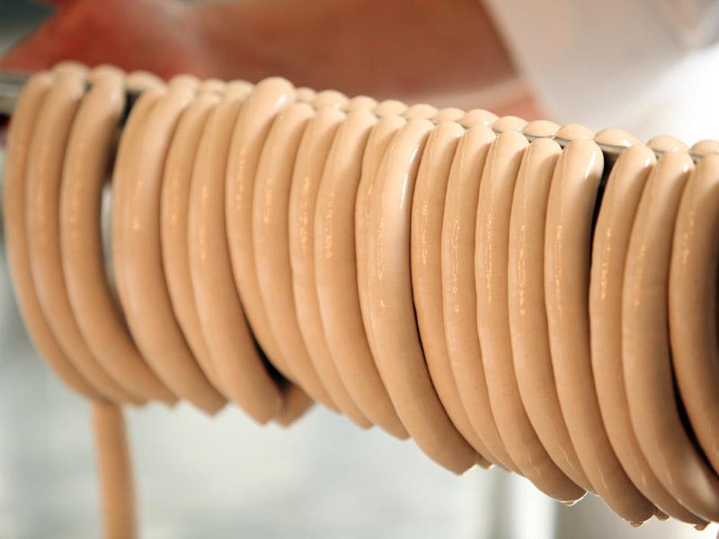 Unsere Produkte: Traditionelle Wurstproduktion